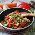 Соус терияки  Состав: ананас консервированный, перец, цукини, морковь.